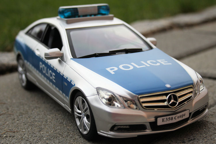 rc polizeiauto mercedes e350 coupe ferngesteuertes auto. Black Bedroom Furniture Sets. Home Design Ideas
