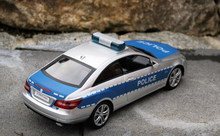 rc polizeiauto mercedes e350 coupe ferngesteuertes auto. Black Bedroom Furniture Sets. Home Design Ideas